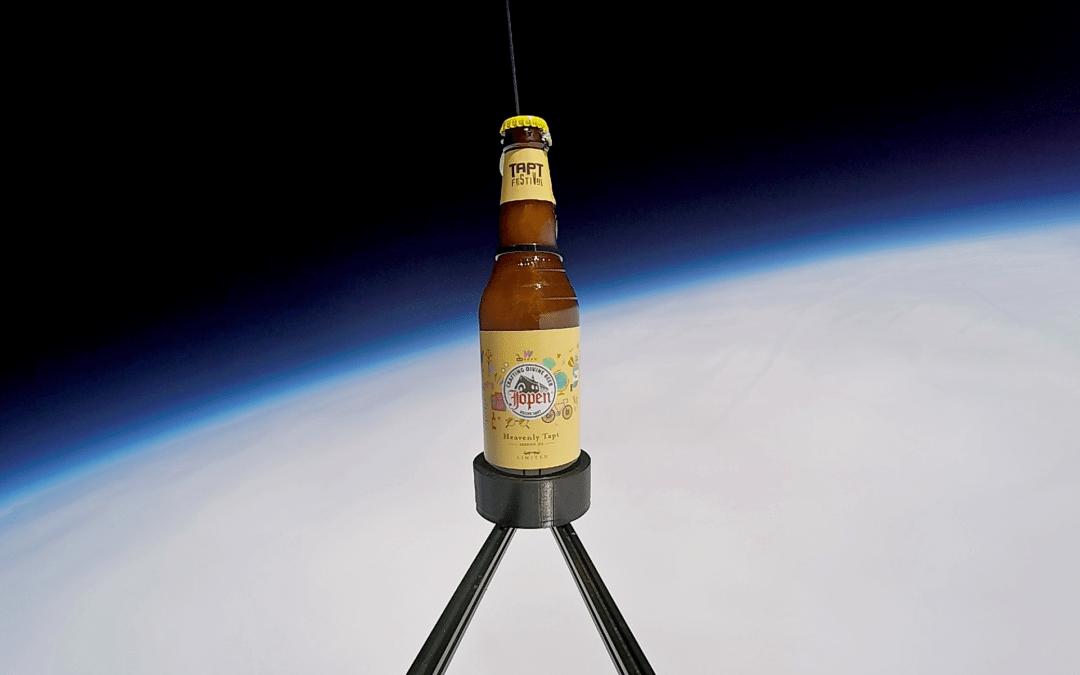 Jopen en TAPT Festival lanceren eerste bier ooit de hemel in